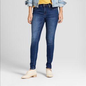 Universal Thread mid rise skinny jeans NWT